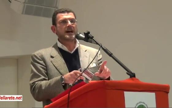 """Luciano Barra Caracciolo al congresso """"Oltre l'euro"""" a Chianciano"""