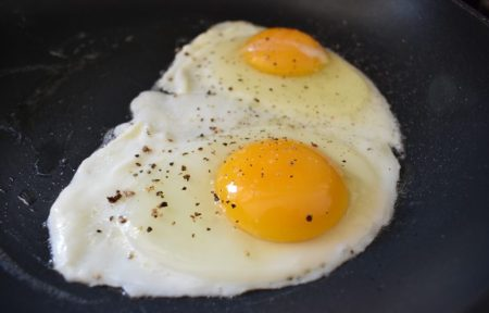 How to Cook Over Medium Eggs