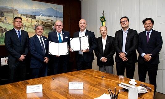 Sistema FIEC fecha acordo de cooperação técnica com Ministério da Economia para monitoramento e redução do Custo Brasil