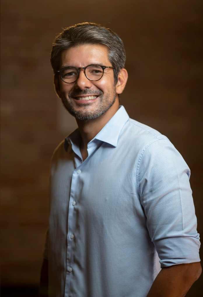 """""""Há três anos, quando iniciamos na Telhanorte um projeto de transformação digital, nenhum de nós imaginou que nosso trabalho seria testado de forma tão rápida e exigente como em 2020"""", comenta Juliano Ohta, CEO da Telhanorte Tumelero."""