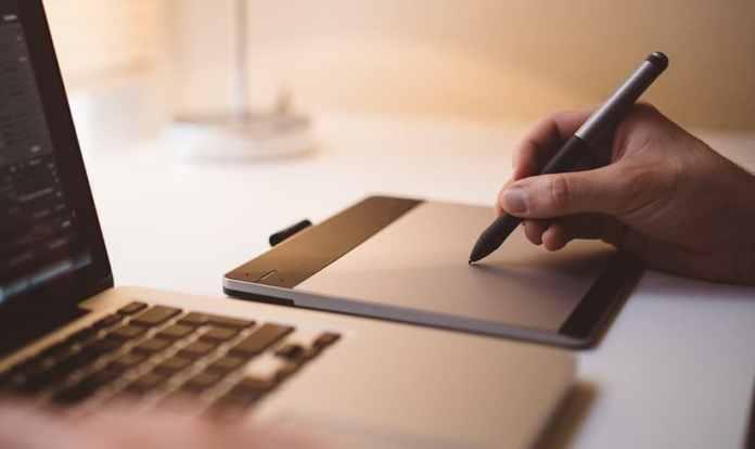 Dentro do conceito dos múltiplos serviços, o software CI Digital, cuja finalidade é melhorar a produtividade das organizações, disponibiliza o acesso ao Zoom para videoconferência, Box Cloud para o arquivo em nuvem de documentos úteis e endomarketing para estratégia de marketing institucional voltada para ações internas na empresa.