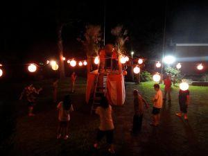 今年栃窪で行う3回目の盆踊りでした。晴れたこともあり多くの人が集まりました。