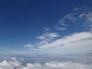 台風7号を抜けた青空