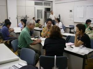 講座終了後の、自分達の環境行動をプランニングする受講生たち
