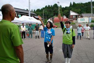 開会式の選手宣誓ではチーム「祥子と千夏」の片桐祥子さんと宮本千夏さんにより、たくさんの笑顔を生むアートを作ることが宣言されました
