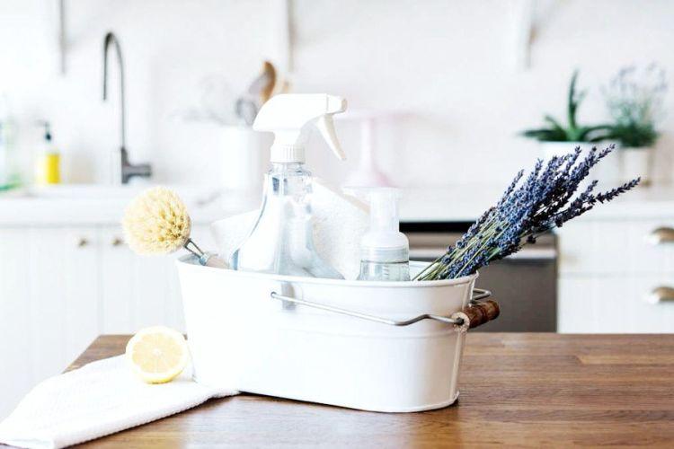 Pulizie di primavera: consigli e ricette zero waste per detersivi ecologici fai da te.