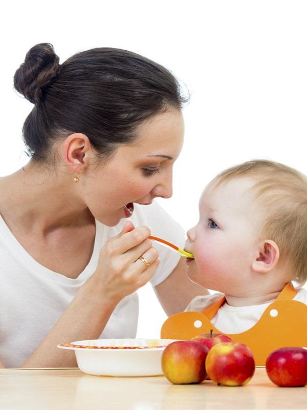 Mucho cuidado con estos 6 alimentos para los pequeños de la casa, ¿Qué no deben comer y hasta cuándo?