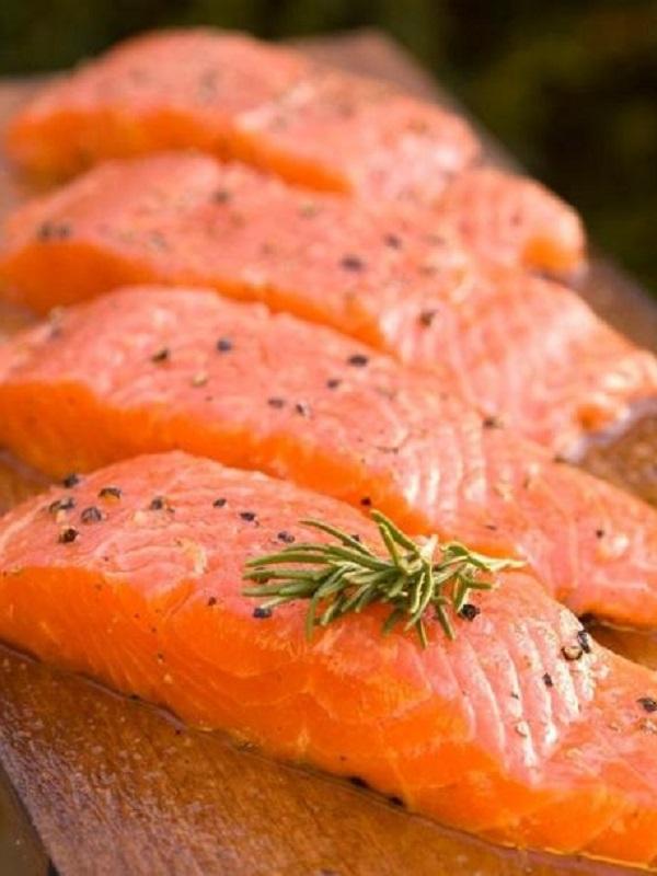 Yogur, arándanos, coles, salmón y nueces, los alimentos más saludables