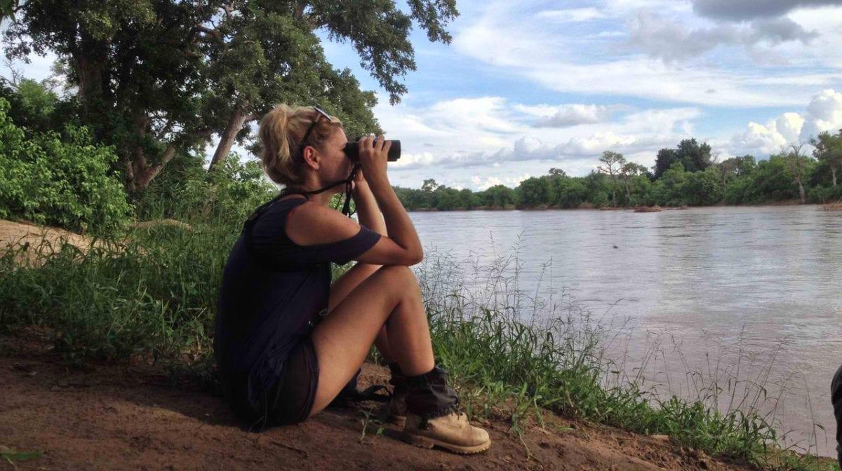 MashatuPFG10E-Trails-Guide-Isabella-enjoying-the-view_Henry-Parsons-cropped