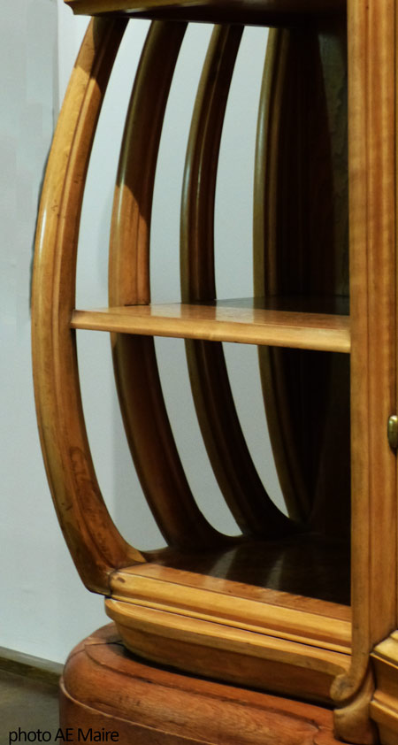 armoire courbes art-nouveau-1901 ecoutelebois