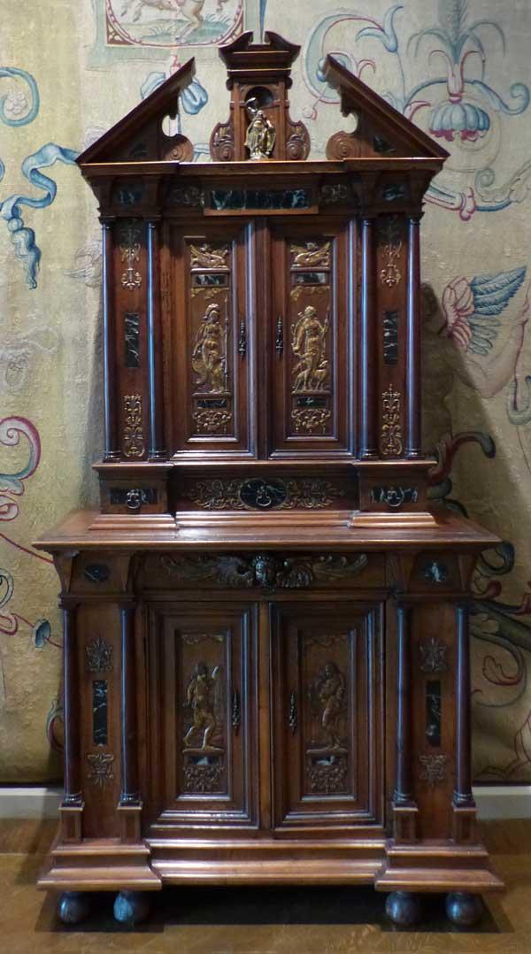 buffet à 2 corps Renaissance Louvre