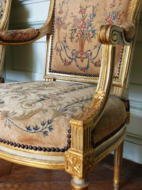 Fauteuil louis XVI Château de Maisons Laffitte