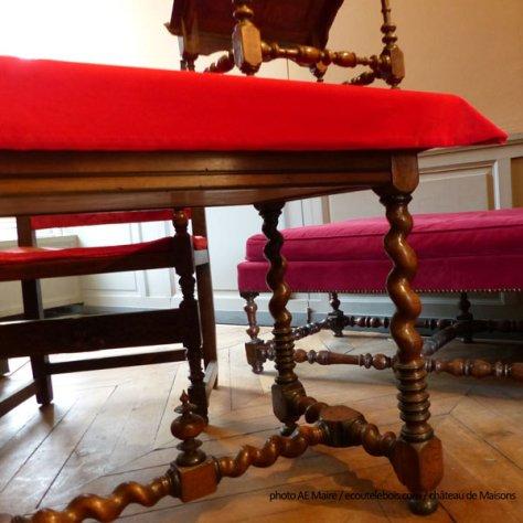 mobilier-louis-13-pieds-tournes-chateau-maisons