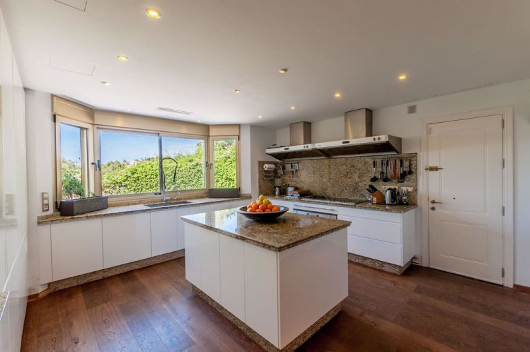 Kitchen design villa refurbishment