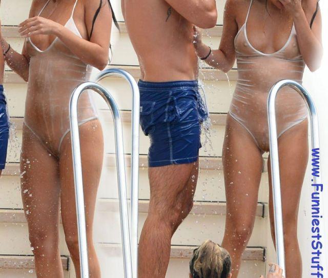 Best Of Nude Upskirt Oops Gomez Naked Selena