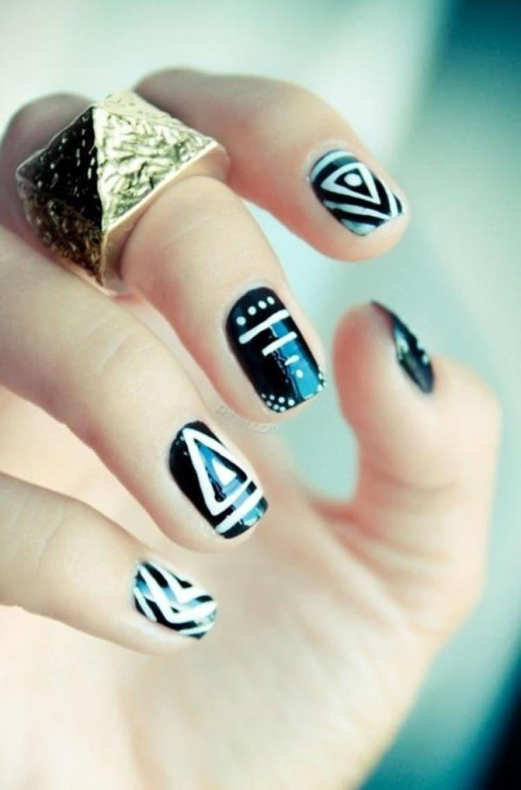 creative black and white nail