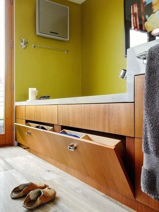 Practical Bathroom Storage Ideas @EcstasyCoffee - 1-554x739