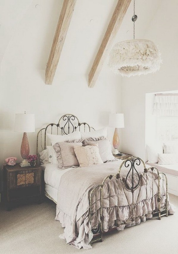 Nicole franzen having a small space may burden you with more storage issues than your nei. 33 Cute And Simple Shabby Chic Bedroom Decorating Ideas