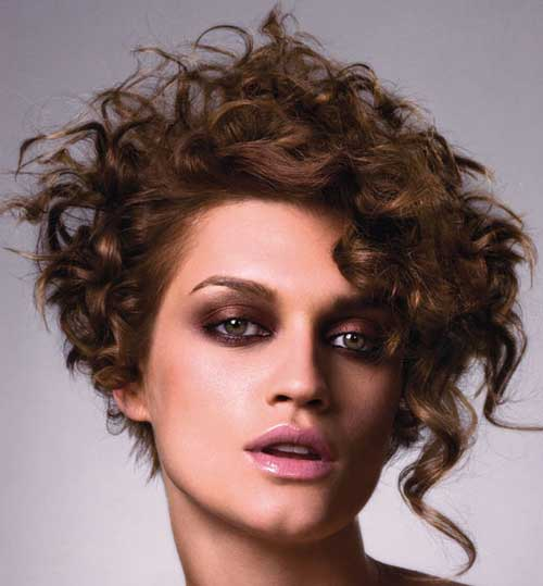 40 Incredibly Pretty Short Hairstyles For Curly Hair That Make You ...
