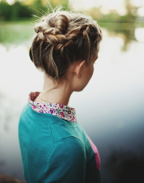 how to make a nice bun with short hair