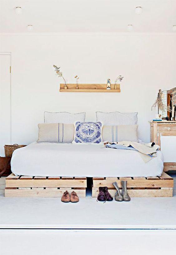 40 Creative Wood Pallet Bed Design Ideas » EcstasyCoffee on Pallet Bedroom Ideas  id=25892