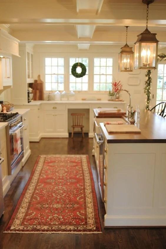 46 Best Christmas Kitchen Decorating Ideas