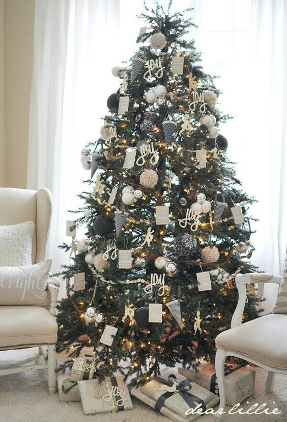 37 Awesome Silver And White Christmas Tree Decorating Ideas ...
