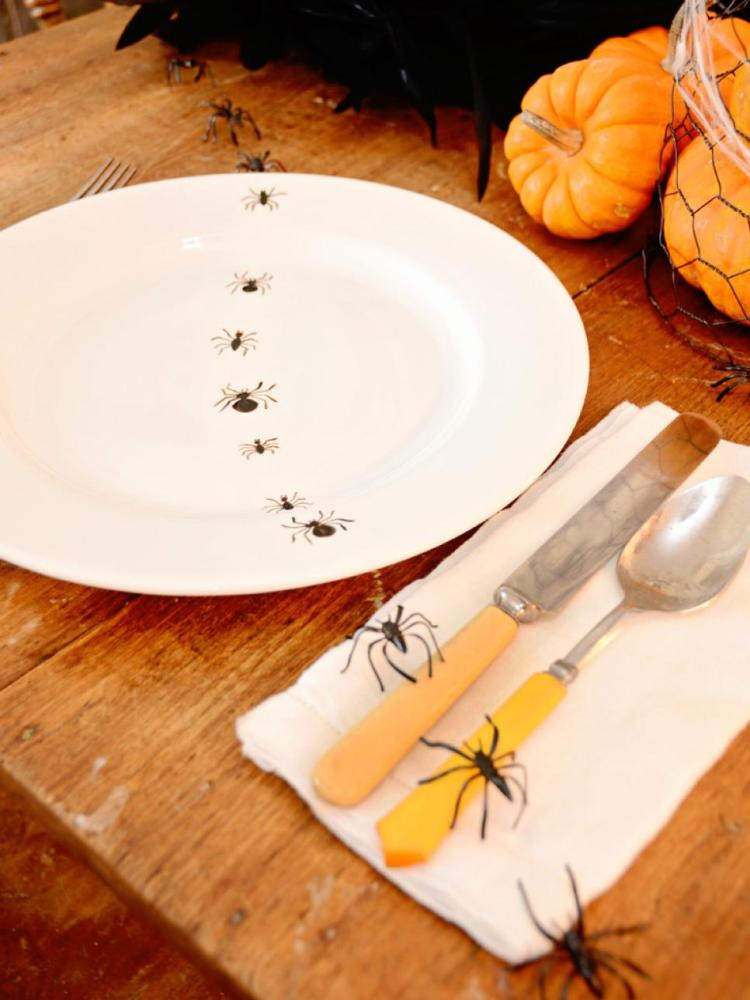 hand-painted-insect-plates