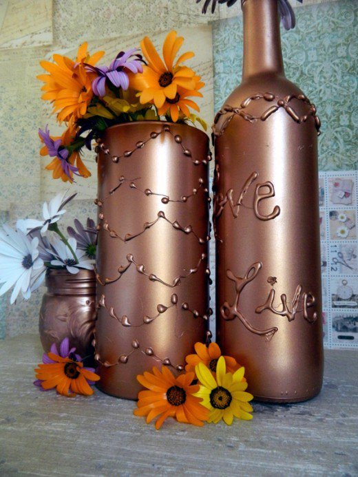 hot-glue-decorated-vase