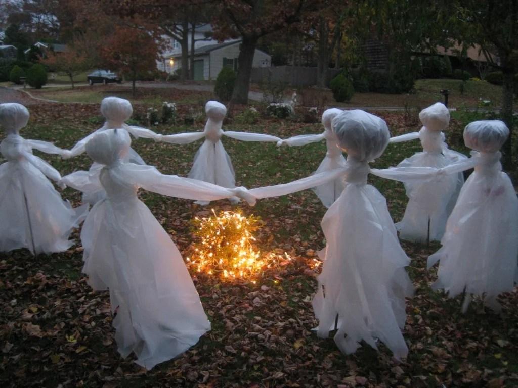 Halloween lawn decorations diy - Diy Halloween Outdoor Decorations Photos Collected Via Pinterest Com