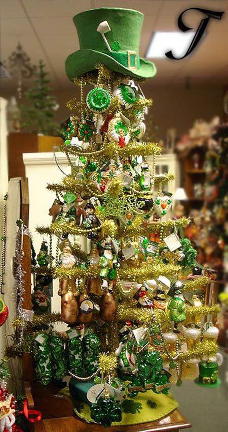 leprechaun-christmas-tree