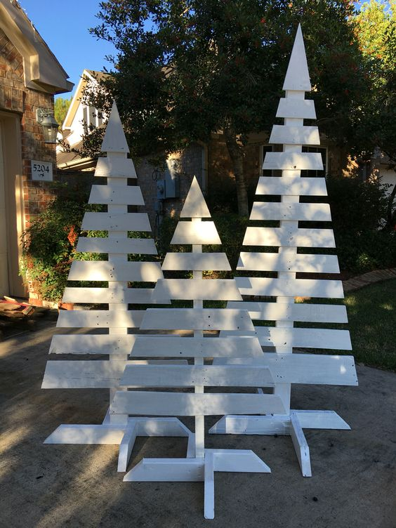40 Top Modern Wooden Christmas Trees For Backyard