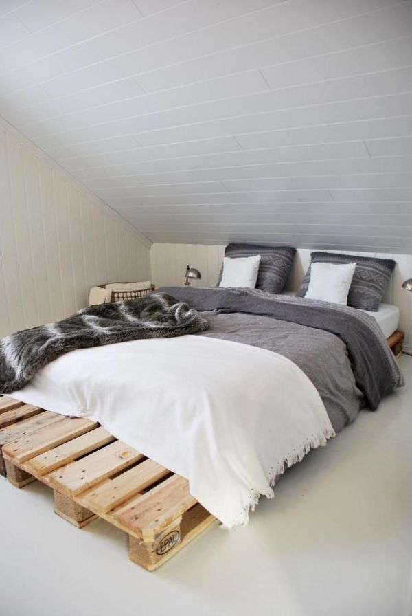 40 Creative Wood Pallet Bed Design Ideas » EcstasyCoffee on Pallet Bed Room Ideas  id=67012