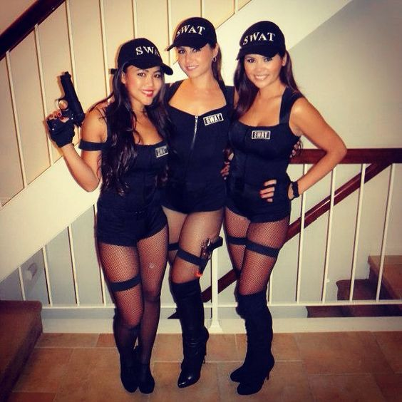 sexy-halloween-group