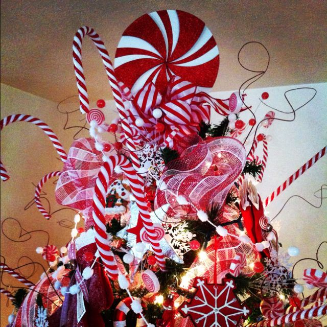 30 creative christmas tree toppers ideas. Black Bedroom Furniture Sets. Home Design Ideas