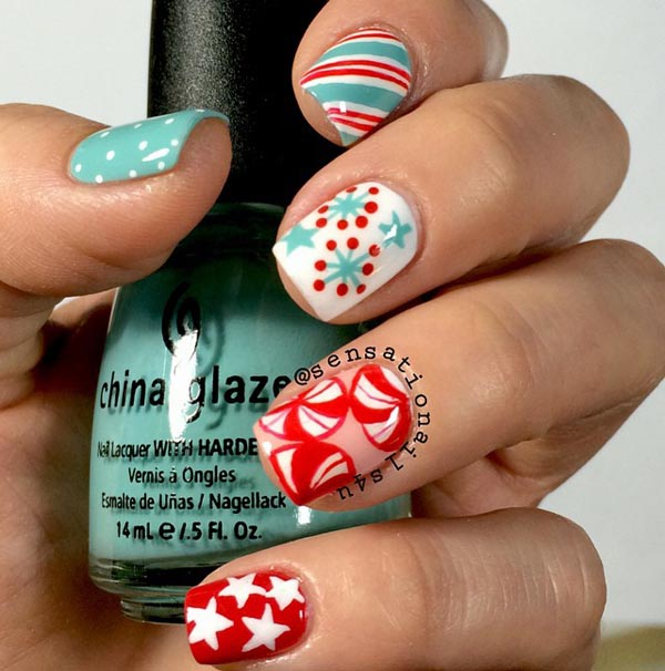 retro-christmas-nails