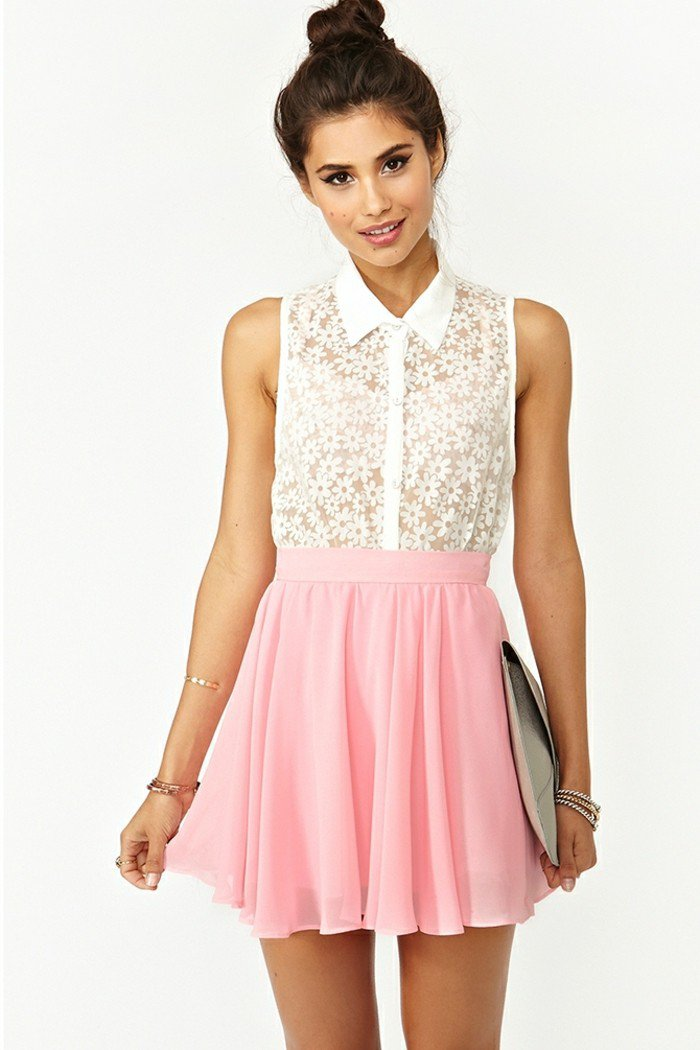 45 Cute Skater Skirt Outfit Ideas To Try This Season