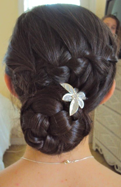 40 Elegant And Easy Bridal Hairstyles That Are Perfect For