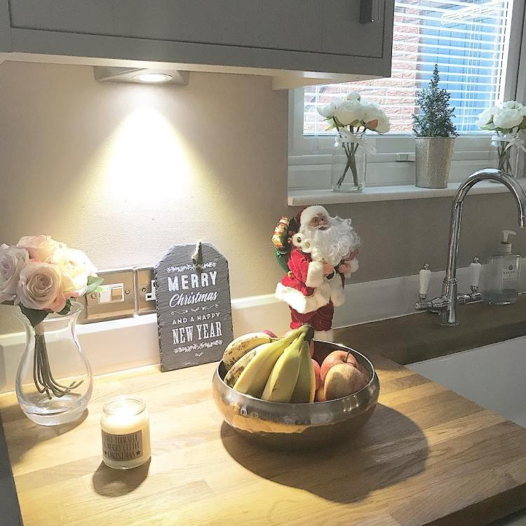 Christmas Kitchen Accessories: Christmas Kitchen : 60 Modern Christmas Kitchen Decorating