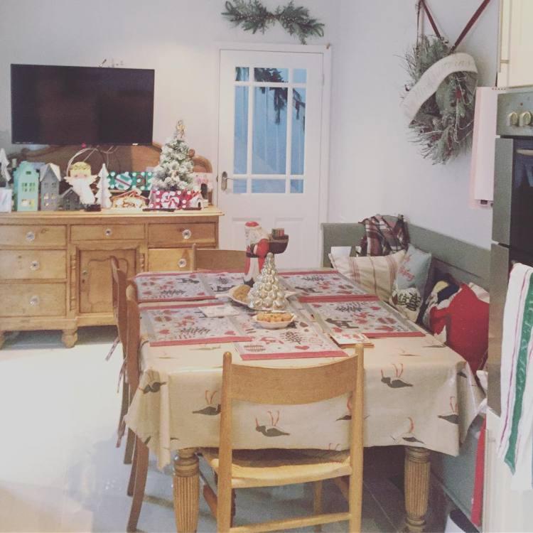 Christmas Kitchen : 60 Modern Christmas Kitchen Decorating Ideas ...