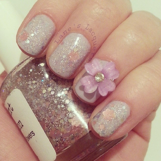 45 Trendy Sparkly Nail Art Ideas To Remain In Style
