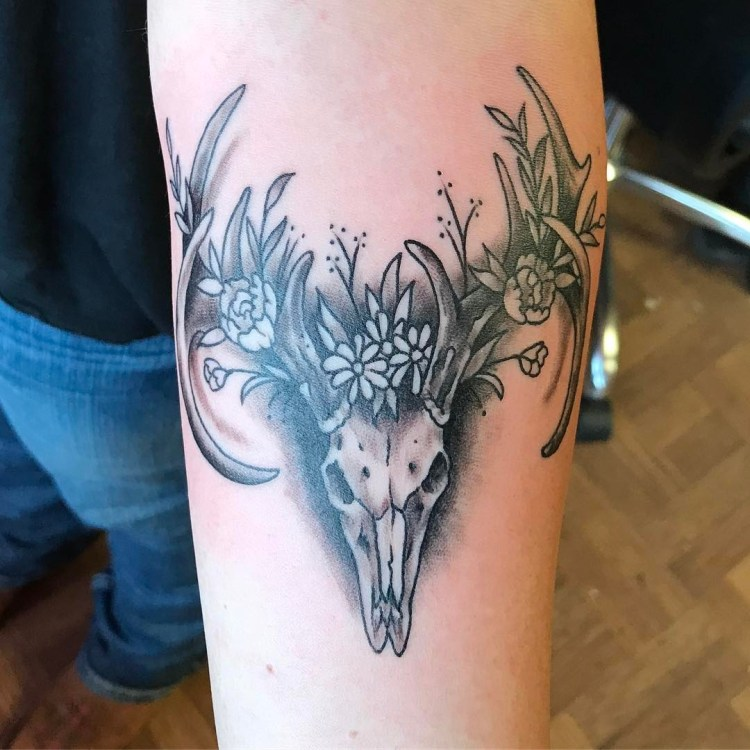 50 beautiful deer tattoo ideas to ink yourself in for Country tattoo ideas