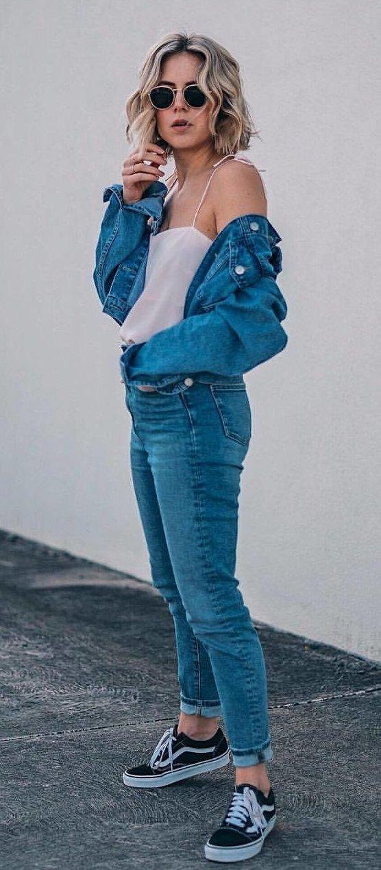 Denim Jacket + Skinny Jeans + Black Pumps