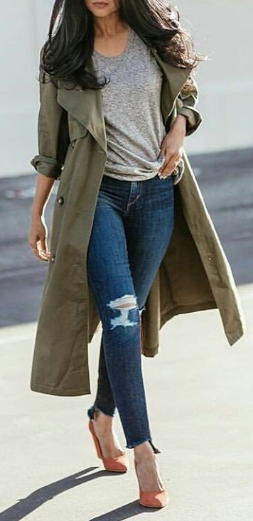 add8d6fef19 Casual Winter Outfits Ideas. 1 Blue Denim Distressed Jeans Source