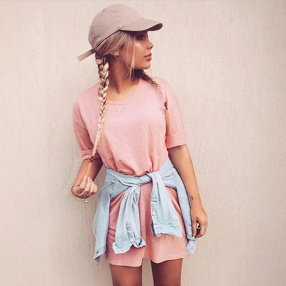 A simple yet attractive summer t-shirt dress