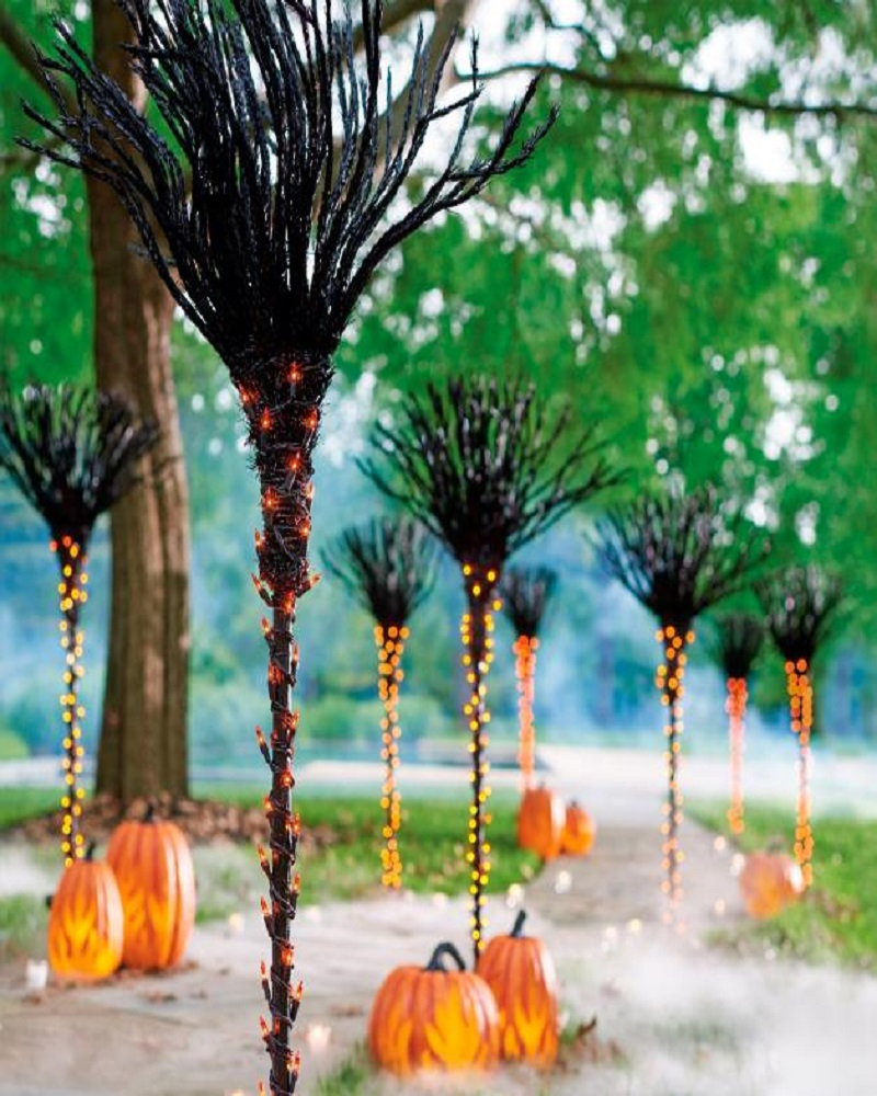 30 Creative Crazy and Creepy Outdoor Halloween Decor Ideas
