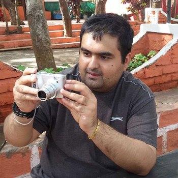 Smit Chacha Book Author
