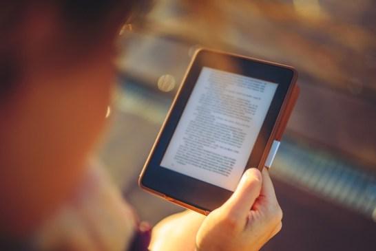 Czy warto kupić czytnik e-booków?