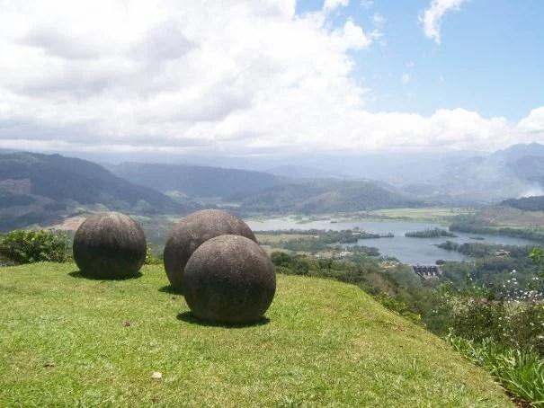 Ooparts: Esferas de Costa Rica