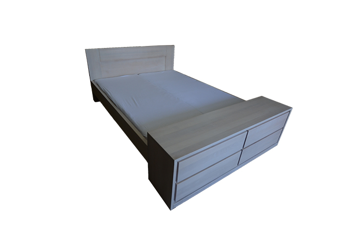Łóżko z komodą
